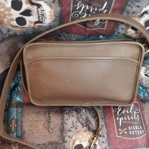 Coach Vintage leather Multi Zip